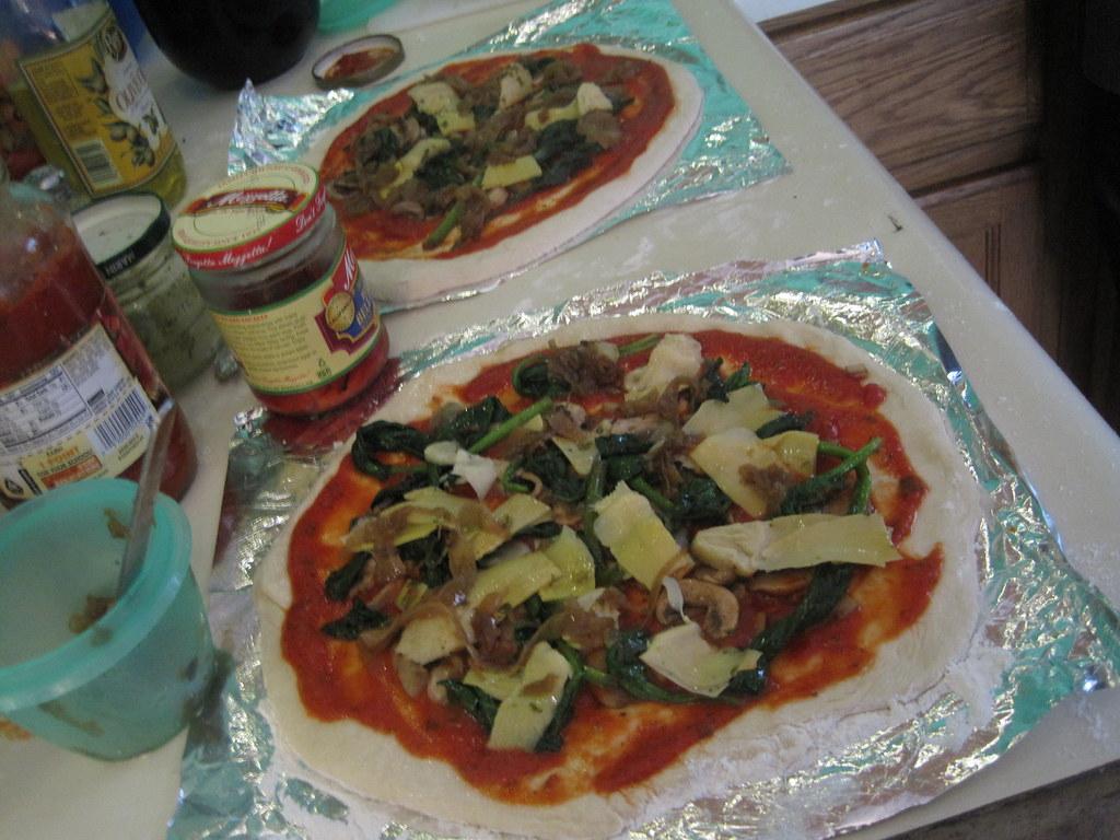 veggie pizzas.