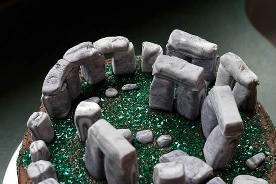 06_stonehenge-cake6