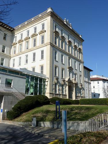 P1000637-2010-02-07-Shutze-Emory-Hospital-South-Facade-East-Facades