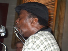 Terry Harmonica Bean 026 (MltnMrtzIII) Tags: bar mississippi concert guitar live milano blues delta bean terry bluesman performances cantante playingguitar straf chitarrista rurale downhomeblues folkblues armonicista terryharmonicabean