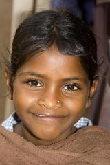 Girl - Terre d'Espoir 2 (Pondspider) Tags: poverty india girl children child goa enfants enfant colva linde pauvreté migrantworkers anneroberts annecattrell terredespoir janinegaiddon pondspider charitéfrançaise