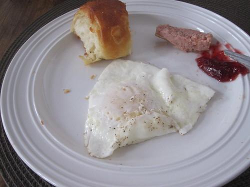 Egg, croissant and pâté