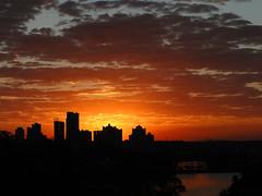 Quarta Sunset (Naid Moura) Tags: sunset pordosol contraluz landscape paisagem londrina entardecer silhuetas frenteafrente hx1 naidmelomoura sonyhx1