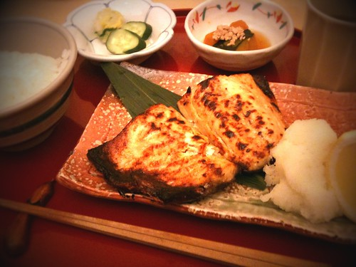 鯖の味噌漬け。久々に外食で魚。たまには良いかな。
