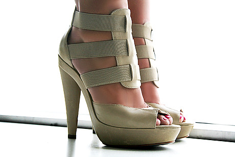 steve madden platform sandals by nozomiiqel