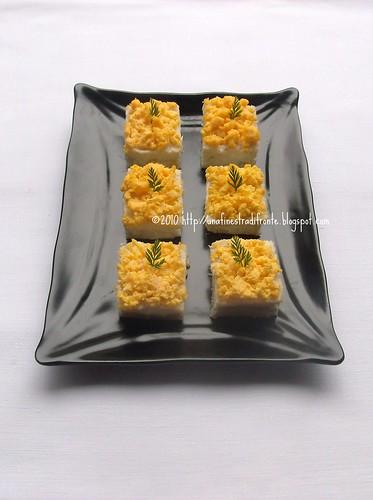Mini tramezzini mimosa con crema bianca
