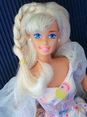 Birthday Barbie 1996 (Chicomttel) Tags: birthday 1996 barbie mattel inc