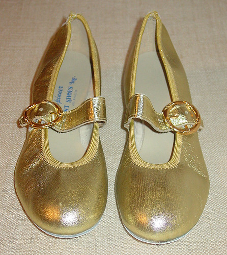 Vintage gold shiny shoes mary janes GLAM GLITZ