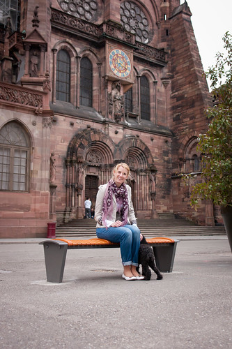 JSOVT(MB): Strasbourg Cathedral bench (by Yaisog Bonegnasher)