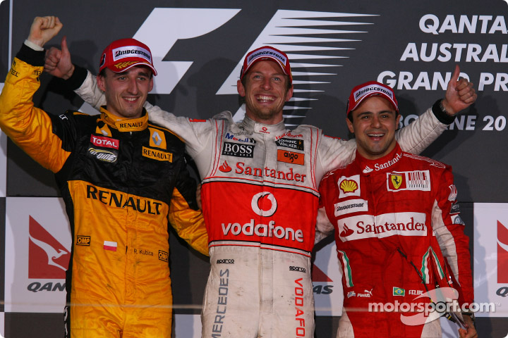 Podio del GP de Austrialia 2010, de izq. a der.: 2º Robert Kubica (Renault); 1º Jenson Button (McLaren-Mercedes); 3º Felipe Massa (Ferrari).