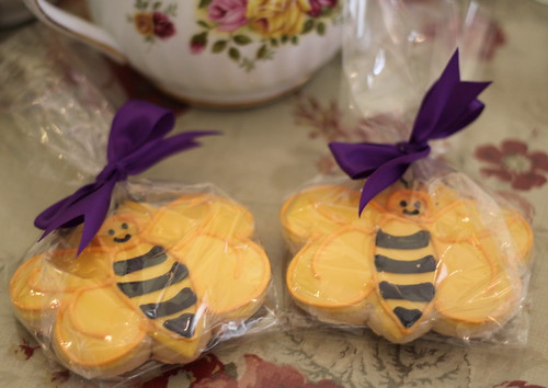 Bridal Shower Party favors - Bee sugar cookies