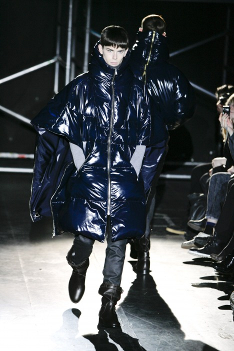 Jeremy Young3007_FW09_Paris_Juun J