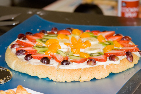 Dutch Oven Fruit Pizza