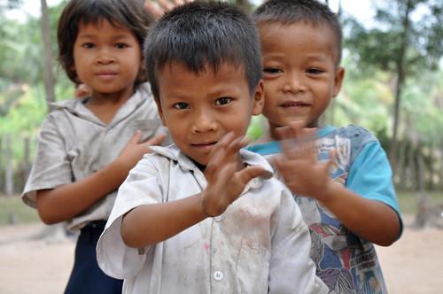 CambodianSchoolChildren2