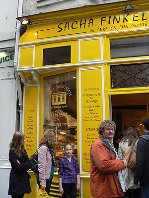 la boutique jaune.jpg