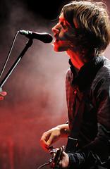 Arctic Monkeys (Alex Turner) (oscarinn) Tags: rock mexico concert concierto livemusic indie british musicaenvivo arcticmonkeys alexturner estacioazteca couldhavebeenadisaster lastfm:event=1436462