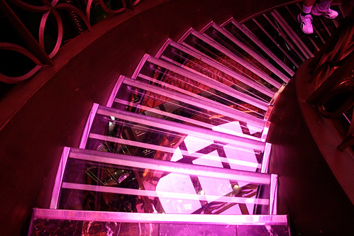 Carnival Spirit - Nouveau Steakhouse Glass Staircase