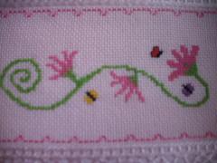 Detalhe da toalha (Tania artes) Tags: bordado pontocruz vagonite toalhadebanho toalhacomflores