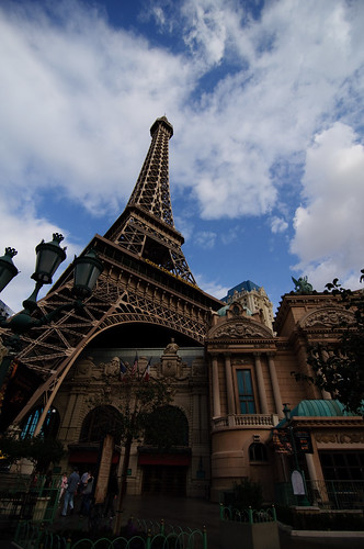 The Eiffel Tower in Las Vegas (-2EV normal)