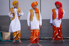 Risløkka - Bhangra Army / Karvan Indian Dance