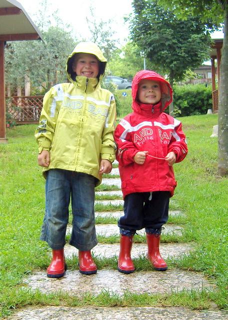 kinder kind regen jungs gummistiefel junge jungen schietwetter regenjacke friesennerz