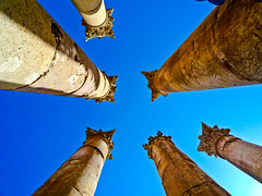 High in the blue sky (Channed) Tags: travel blue site middleeast jordan pillars six jerash zuilen archeologicalsite neareast jordani middenoosten  chantalnederstigt