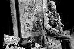 (ww__) Tags: life street leica old me lady women hong kong po kowloon 35 shum shui summaron blackwhitephotos