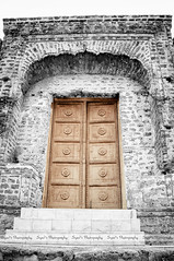 Another Old Classical Door (Syed Sibt-e-Hassan) Tags: door new old pakistan light building history texture standing ancient nikon alone artistic awesome scene stunning historical punjab nikkor cinematic addiction destructive textured wooow 18200mm d90 kitas