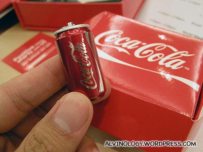 Coca-Cola can thumb drive