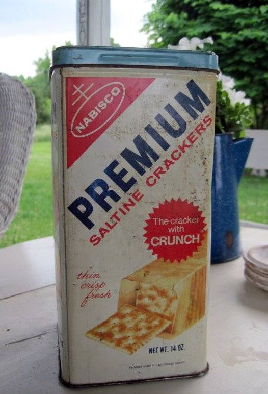 Vintage saltine cracker tin
