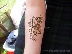 msf10 (blurberrybuzz) Tags: minnesota indigo scottish fair celtic bodyart celt woad minnesotascottishfair blurberrybuzz hennav wwwblurberrybuzz wwwhennavcom bluebodyart