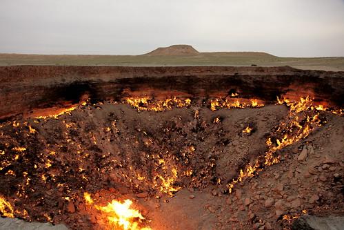 [フリー画像] 社会・環境, 災害, 火災・火事, トルクメニスタン, 201005290100