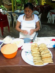 Aqua Azul 008 - Fresh food everywhere (Ben Beiske) Tags: mexico chiapas mexiko aquaazul