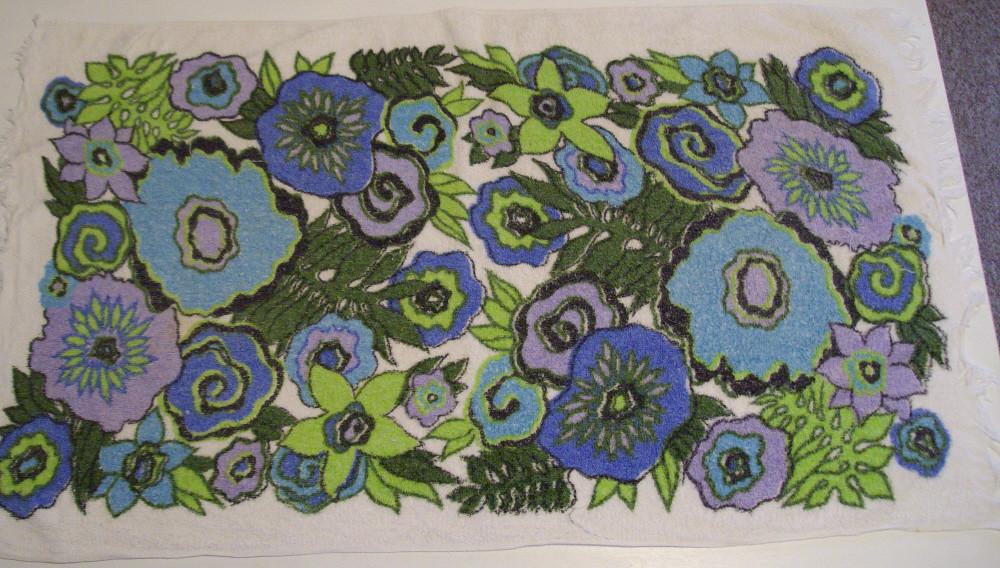 Vintage Floral Towel 2