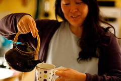 Green tea (74mm) Tags: asahi tea mug teapot spill