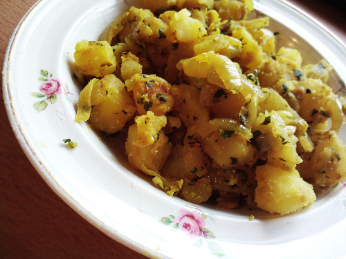 Curried Onions and Potatoes