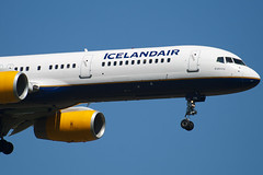 TF-FIN - 28989 - Icelandair - Boeing 757-208 - 100617 - Heathrow - Steven Gray - IMG_4182
