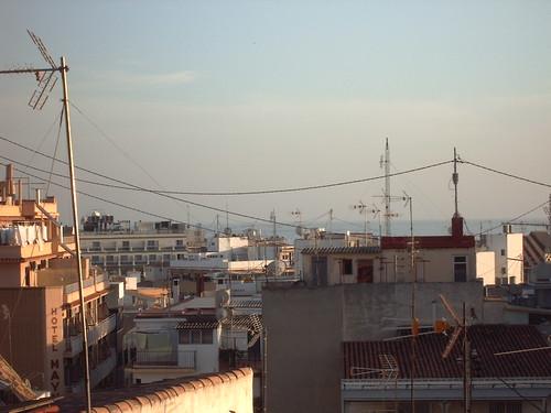 Atico con vistas al mar. Solicite más información a su inmobiliaria de confianza en Benidorm  www.inmobiliariabenidorm.com