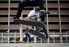 Creative Skate Boarding in London (Givara13) Tags: london t 50mm skateboarding f14 14 rich olympus f10 montecarlo monaco hasselblad 55mm m8 noctilux mayfair summilux m6 zuiko parklane dorchester lenses 135mm planar r8 f12 m7 wideopen f095 distagon carlzeiss mark2 privatejet r9 summicronr leicashop leicasummicron35mm creativeguys h5d rarelens h4d leicam9 canon5dmarkii gzuiko55mmf12