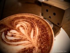 danbo_12 (DincoocniD) Tags: apple coffee toys danbo iphone4 danboard