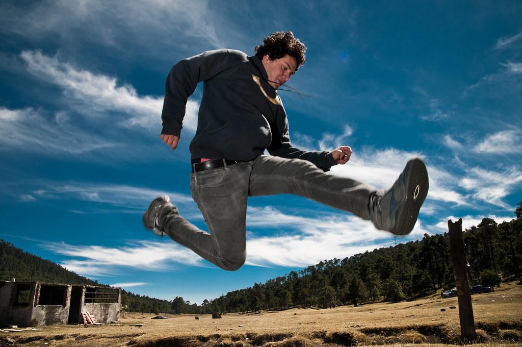[フリー画像] 人物, 男性, 跳ぶ・ジャンプ, 20101111050... 著者:  GAT
