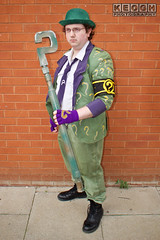 IMG_1790.jpg (Neil Keogh Photography) Tags: gloves tie dccomics theriddler shirt bowlerhat pants tv jacket questionmark videogames film male boots purple batman suit manchestersummerminicon cosplay cosplayer black green glasses comics walkingcane white
