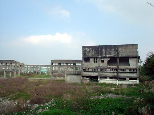 27.廢棄的工廠