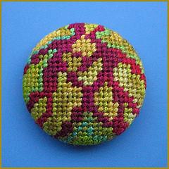 Petit Point (Birthine) Tags: embroidery button stitching knap bordado stickerei broderie borduren petitpoint broderi brodera birthine