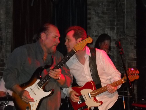 Steve Cropper & Steve Wariner -- Musical geniuses!