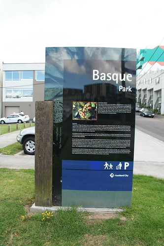 2010-01-28 - Karaka Trees - 02 - Basque park sign