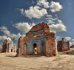 In the Wilderness  . (Commoner28th) Tags: pakistan sky india heritage history architecture clouds river landscape islam tomb unesco dehli punjab ahmed sindh indus uch ivc agha chenab waseem cholistan bahawalpur indusvalley uchsharif indusvalleycivilization commoner28th toisóndeoro bestofmywinners mygearandmepremium mygearandmebronze gimemay2713