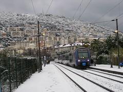 nice la neige (snake&luigi) Tags: france station train french nice riviera gare neige sncf ter