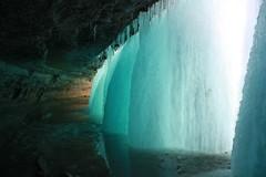 Behind Minnehaha Falls I (Inanimate Carbon Rod) Tags: cold ice water minnesota canon frozen minneapolis falls mn minnehaha xsi