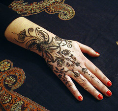 Khidab painting on  Anjas hand